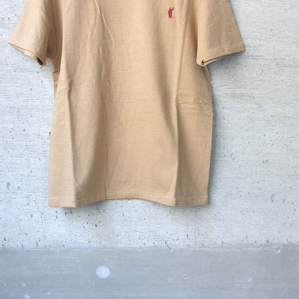 YOUNG & OLSEN The DRYGOODS STORE | CAT HOOP TEE(CAMEL)
