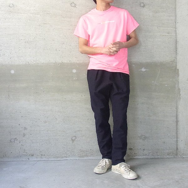 YOUNG & OLSEN The DRYGOODS STORE | Y&O TITLE TEE(SAFETY PINK)