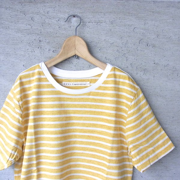 CURLY | BRUSH BORDER SS TEE(YELLOW x WHITE)