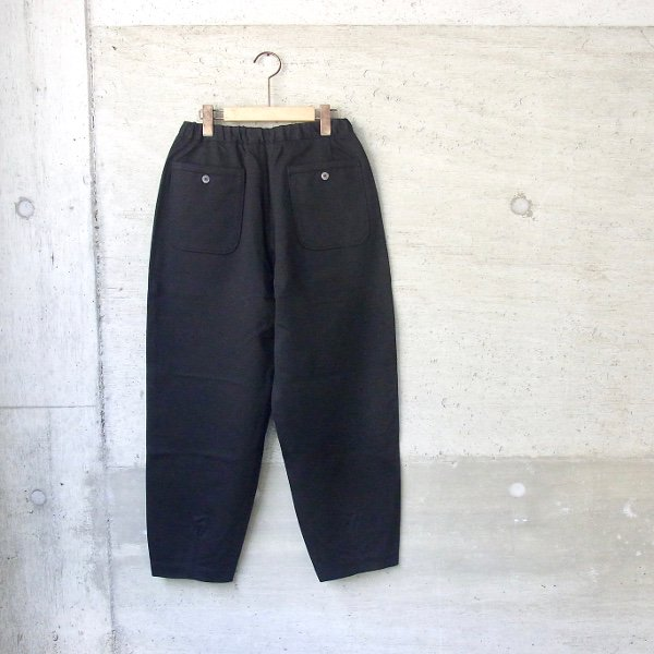 CURLY | BRACE WIDE EZ TROUSERS(BLACK)