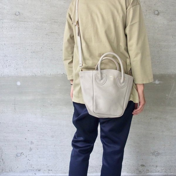 YOUNG & OLSEN The DRYGOODS STORE | PETITE LEATHER TOTE(BEIGE)