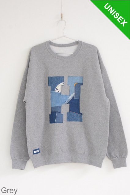 <b>H.R.REMAKE</b><br>Hand Patchwork H Patch Crew Neck Sweat Shirt