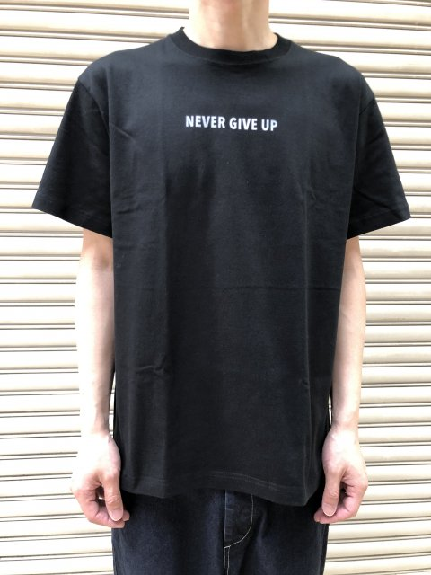<img class='new_mark_img1' src='https://img.shop-pro.jp/img/new/icons61.gif' style='border:none;display:inline;margin:0px;padding:0px;width:auto;' />Never Give Up PT Short Sleeve T SHIRTS