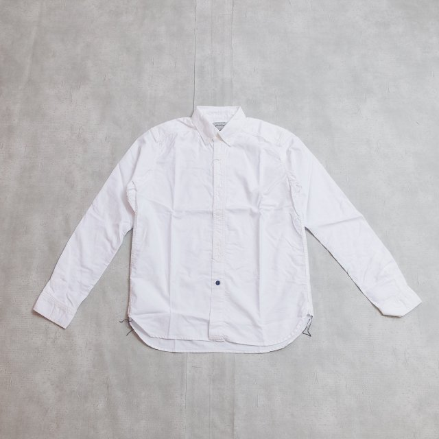 <img class='new_mark_img1' src='//img.shop-pro.jp/img/new/icons1.gif' style='border:none;display:inline;margin:0px;padding:0px;width:auto;' /><b>SPELL BOUND</b><br>B.D SHIRT