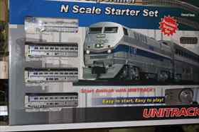 106-0015 Amtrak P42 with Superliners Start Set