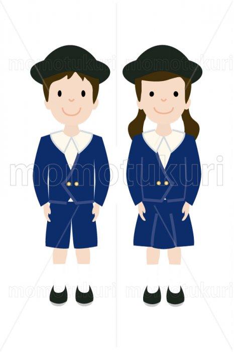 制服を着た幼稚園の男の子と女の子