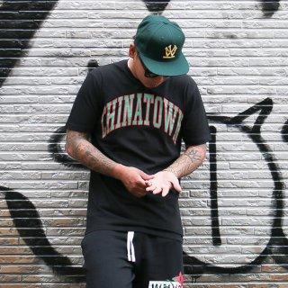 CHINATOWN MARKET(チャイナタウン マーケット) カレッジロゴ 半袖 Tシャツ<br>CHINATOWN MARKET COLLEGIATE S/S TEE