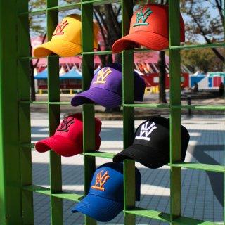 W NYC(ダブルエヌワイシー) ヘリテイジロゴ 刺繍 ストラップバック キャップ<br>W NYC HERITAGE LOGO STRAPBACK CAP