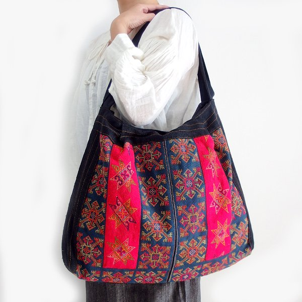 モン族 手刺繍ショルダーバッグ D
