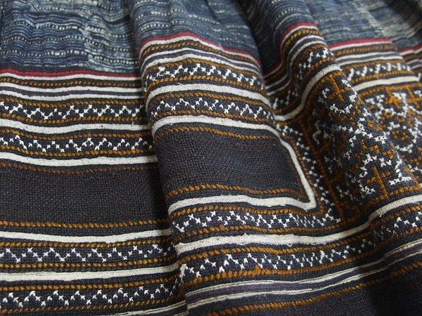 モン族スカート