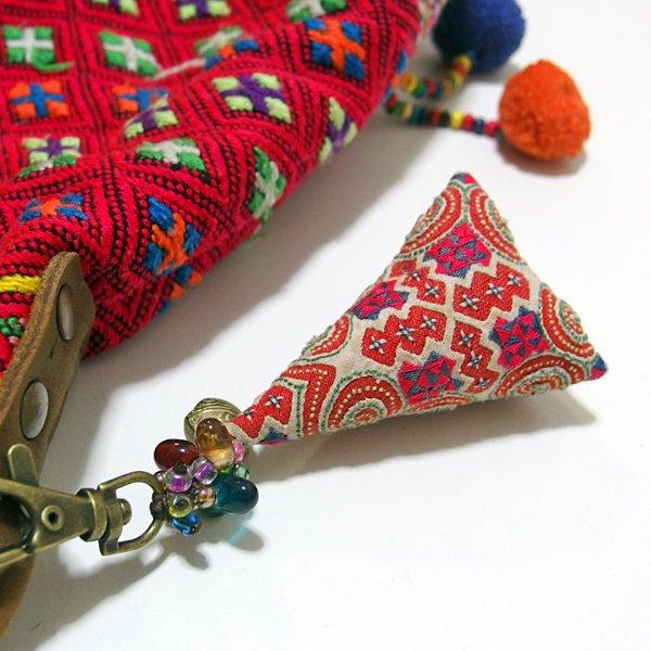 モン族 手刺繍チャーム キーホルダー 36C