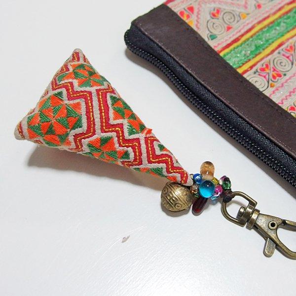 モン族 手刺繍チャーム キーホルダー 36D