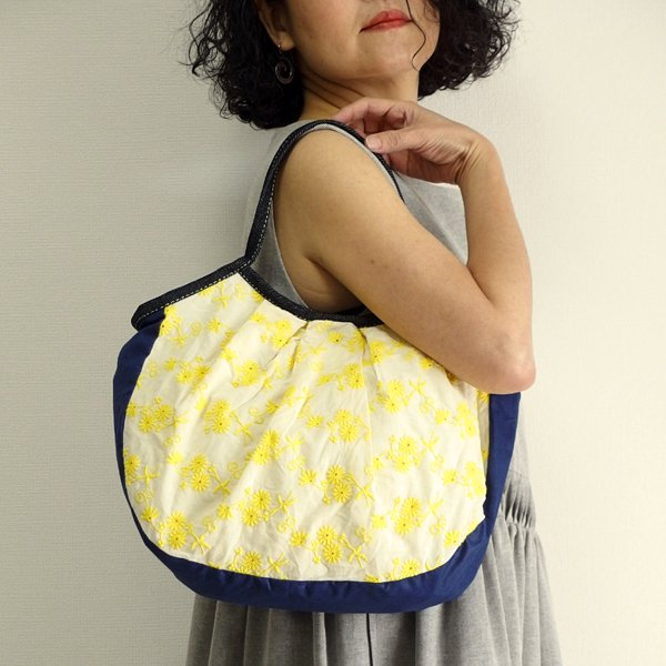 sisiグラニーバッグ 定番サイズ インド刺繍 イエロー