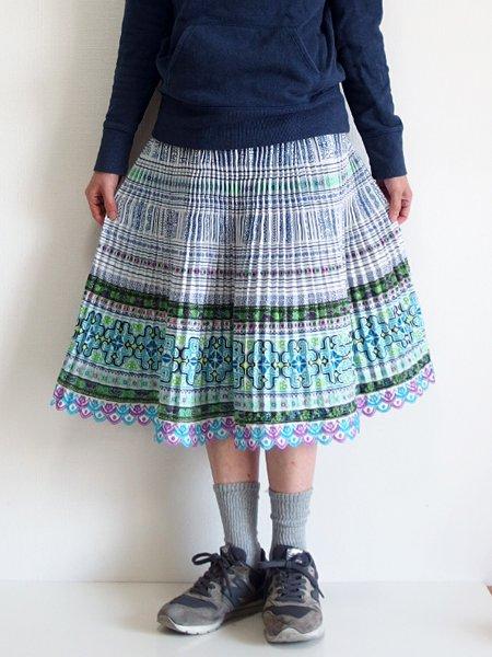 モン族  ミディアムスカート 821