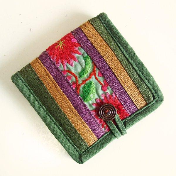 モン族手刺繍 二つ折り財布 53c