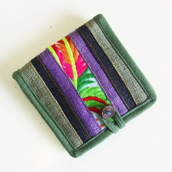 モン族手刺繍 二つ折り財布 53d
