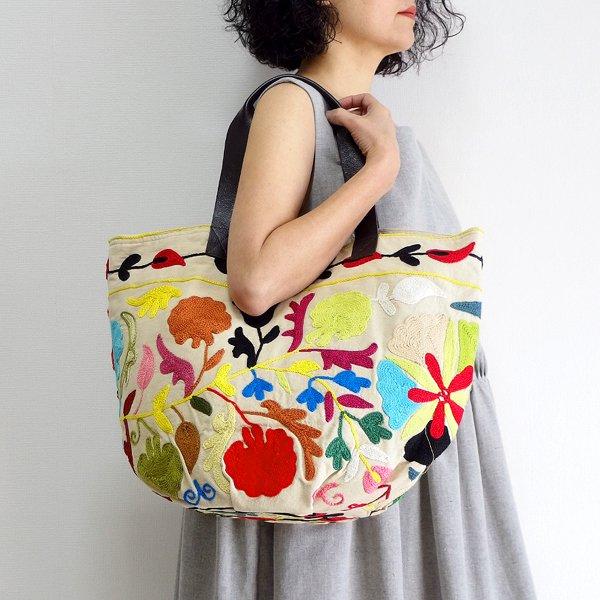 various shop スザンニ刺繍 トートバッグ 915