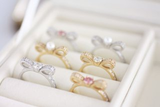 Ribbon CZ ring