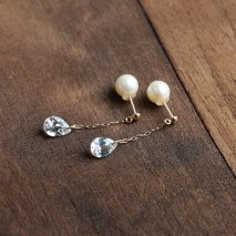 White Topaz Pearl Catch Pierce | K18