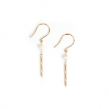 Tiny Pearl & Bar Hook Pierce | K10YG
