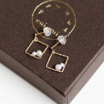 Pearl & Square Frame Pierce | K10YG