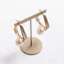 Pearl & Triangle Hoop Pierce