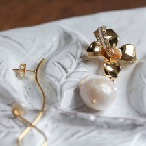 Flower & Pearl Pierce