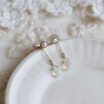 Opal & Pearl 2way Pierce | K10YG<img class='new_mark_img2' src='//img.shop-pro.jp/img/new/icons14.gif' style='border:none;display:inline;margin:0px;padding:0px;width:auto;' />