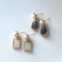 Moonstone / Tanzanite Pierce<img class='new_mark_img2' src='//img.shop-pro.jp/img/new/icons14.gif' style='border:none;display:inline;margin:0px;padding:0px;width:auto;' />