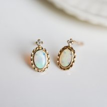 Opal & Diamond0.04ct Stud Pierce | K10YG