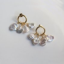 Pearl Hoop Pierce<img class='new_mark_img2' src='https://img.shop-pro.jp/img/new/icons14.gif' style='border:none;display:inline;margin:0px;padding:0px;width:auto;' />