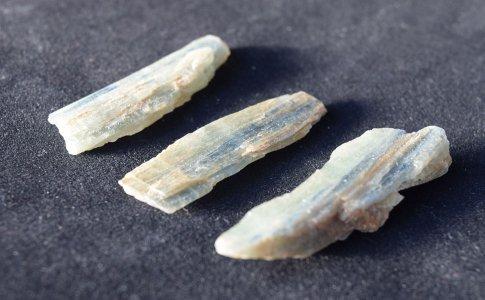 グリーンカイヤナイト原石小