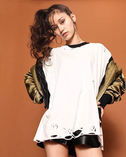 LOOSE SPLIT LONG T-SHIRT