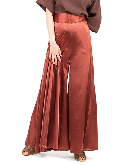 SATIN ASYMMETRY PLEAT PANTS