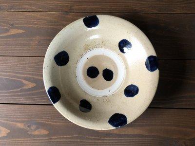 沖縄の器やちむんです。個性的な器コバルトドット 8寸皿 北窯 宮城正亨