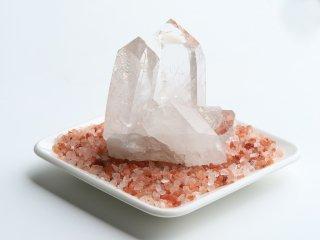 【Q118】日常から離れて休息を与えてくれる癒しの水晶クラスター