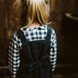 <img class='new_mark_img1' src='//img.shop-pro.jp/img/new/icons14.gif' style='border:none;display:inline;margin:0px;padding:0px;width:auto;' />18AW Little Cotton Clothes Tabitha Pinafore / charcoal chunky cord