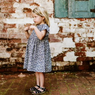 <img class='new_mark_img1' src='https://img.shop-pro.jp/img/new/icons14.gif' style='border:none;display:inline;margin:0px;padding:0px;width:auto;' />19SS Little Cotton Clothes Rosie Dress Blue Floral
