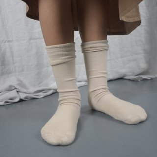 <img class='new_mark_img1' src='https://img.shop-pro.jp/img/new/icons14.gif' style='border:none;display:inline;margin:0px;padding:0px;width:auto;' />THE BIBIO PROJECT<BR>TERRY MID SOCKS / STONE<BR>(for womans)