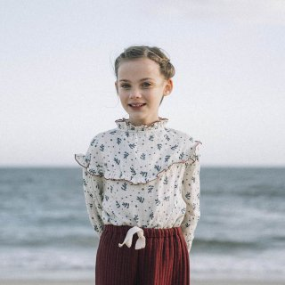 <img class='new_mark_img1' src='https://img.shop-pro.jp/img/new/icons14.gif' style='border:none;display:inline;margin:0px;padding:0px;width:auto;' />Liilu - Nola Blouse / Winter Blossom