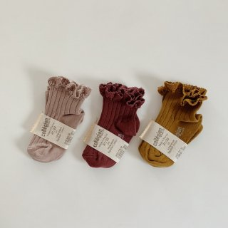 <img class='new_mark_img1' src='https://img.shop-pro.jp/img/new/icons14.gif' style='border:none;display:inline;margin:0px;padding:0px;width:auto;' />collegien - Lace ankle socks