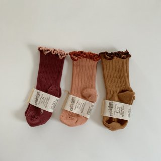 <img class='new_mark_img1' src='https://img.shop-pro.jp/img/new/icons14.gif' style='border:none;display:inline;margin:0px;padding:0px;width:auto;' />collegien - Ruffle socks