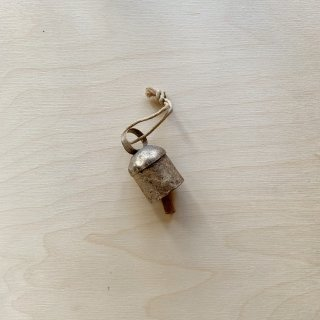 <img class='new_mark_img1' src='https://img.shop-pro.jp/img/new/icons14.gif' style='border:none;display:inline;margin:0px;padding:0px;width:auto;' /> FOG WOODEN ORNAMENT & NOAH BELL
