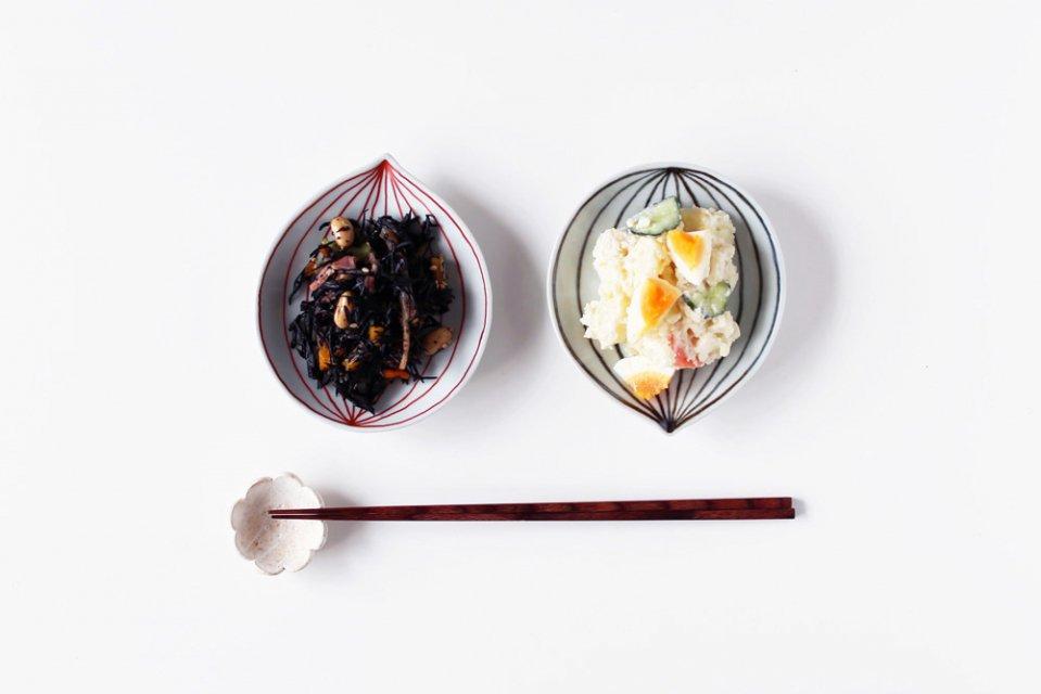 日下華子/木の葉型のお皿(赤)