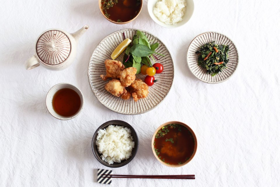 【次回入荷時期未定】山田雅子/しのぎ/7寸皿(直径22cm)