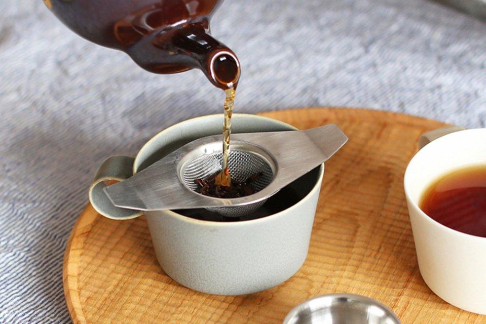 イギリスのティーストレーナー/茶漉し/ダブルハンドル