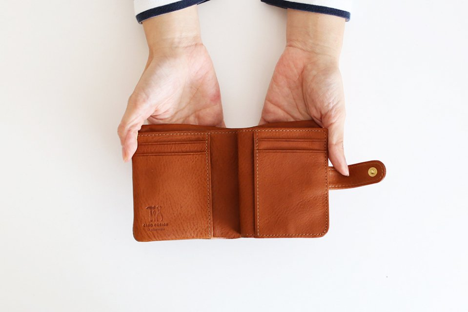 CINQ/2つ折り財布(キャメル)
