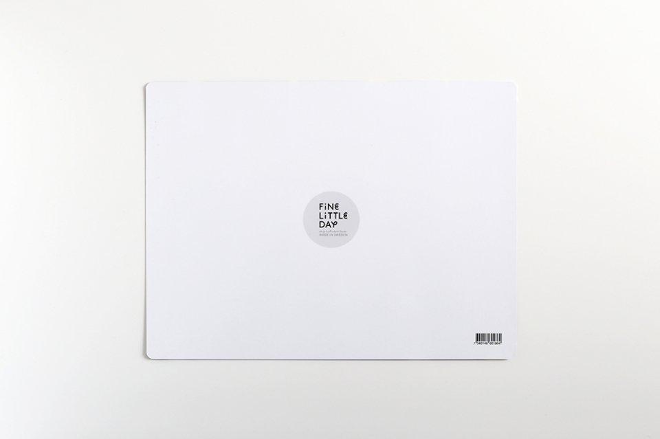 【取り扱い終了】Fine Little Day/モミの木/テーブルマット(ブラック)