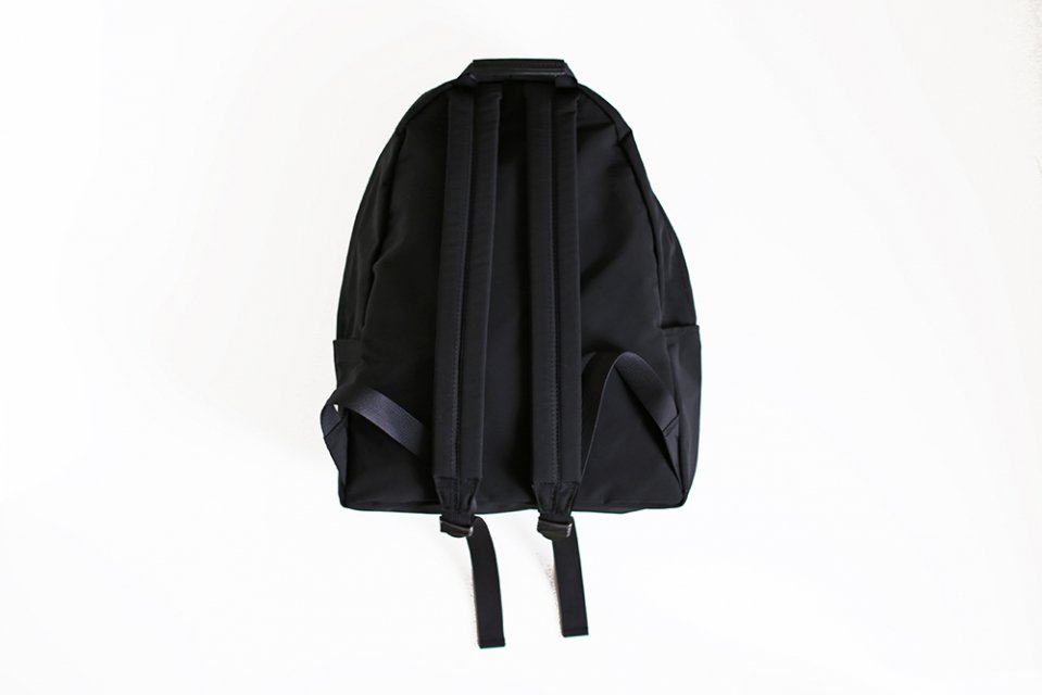 STANDARD SUPPLYNEW TINY DAYPACK/リュック(ブラック)