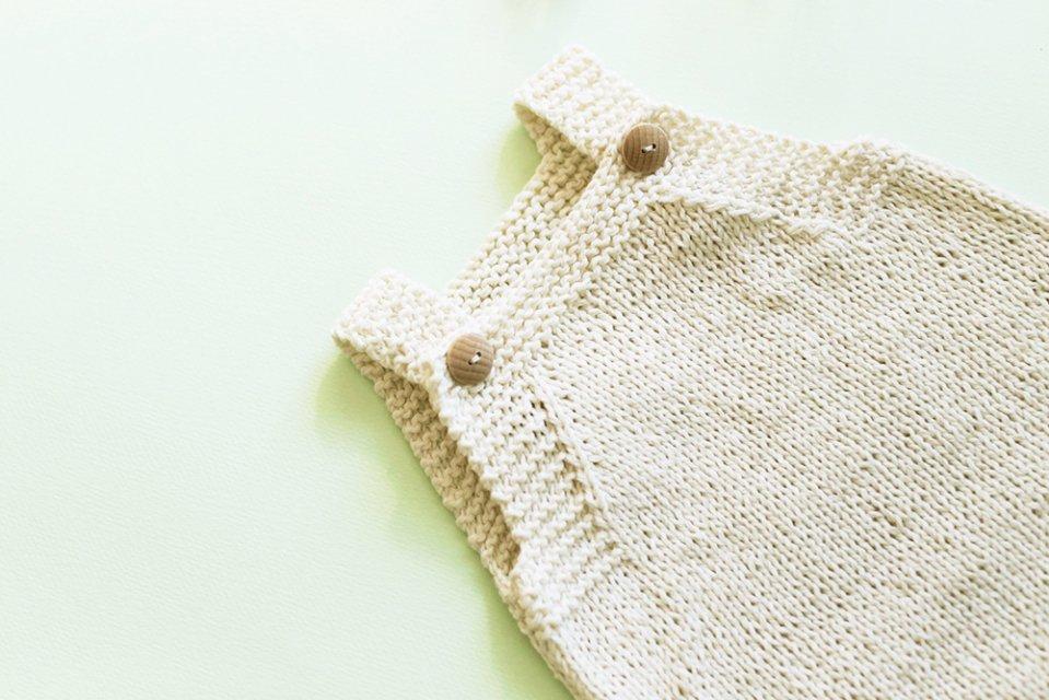 ririi/手編みのベビーロンパース(80サイズ)